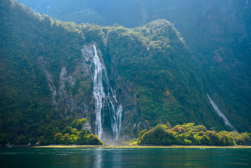Complete Guide to Visiting Milford Sound, New Zealand